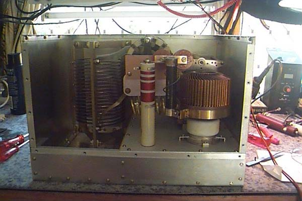 Rear view of the amplifier with the GS-35b in place.